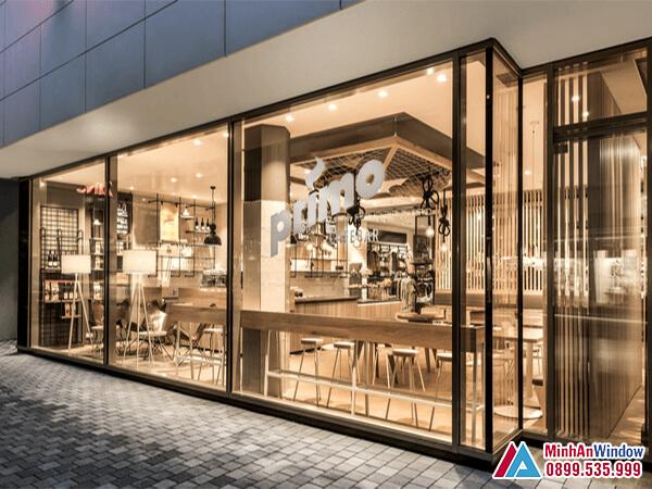 Cửa kính khung sắt sơn tĩnh điện cho các cửa hàng cao cấp - Minh An Window đã thi công
