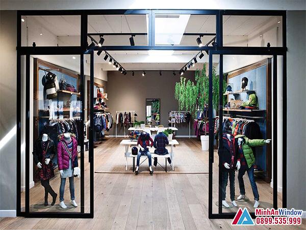 Cửa kính khung sắt sơn tĩnh điện cánh trượt cho cửa hàng quần áo - Minh An Window đã thi công