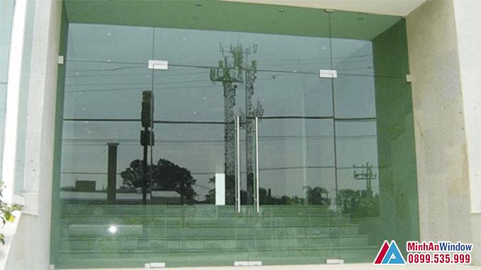 Cửa Kính Thủy Lực Cao Cấp Dùng Loại Kính 12mm - Minh An Window Cung Cấp Và Lắp Đặt