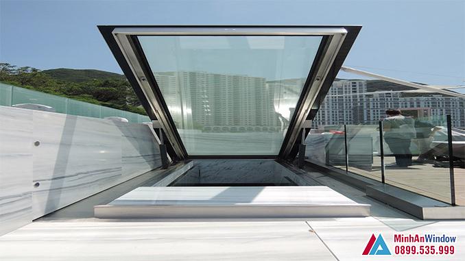 Mẫu Mái Kính Tự Động Sân Thượng Cho Các Biệt Thự - Minh An Window Đã Thi Công