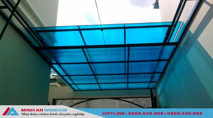 Tấm lợp thông minh khung nhôm cho bể bơi - Minh An Window đã thi công
