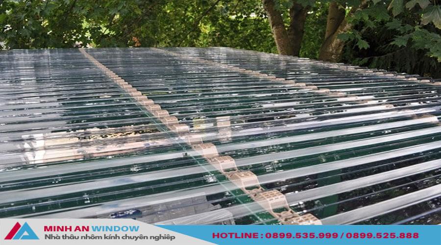 Tấm lợp thông minh khung nhôm cho các bể bơi - Minh An Window đã thi công