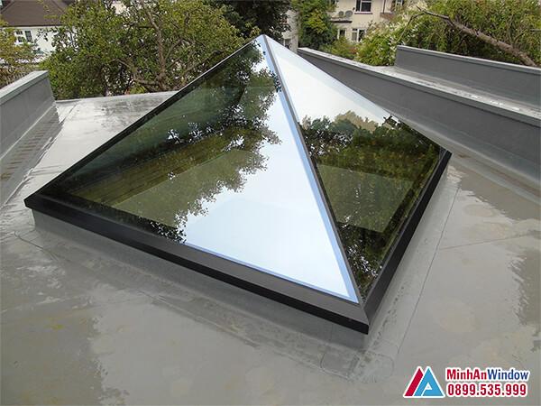 Mái kính cường lực giếng trời khung nhôm cao cấp - Minh An Window đã thi công