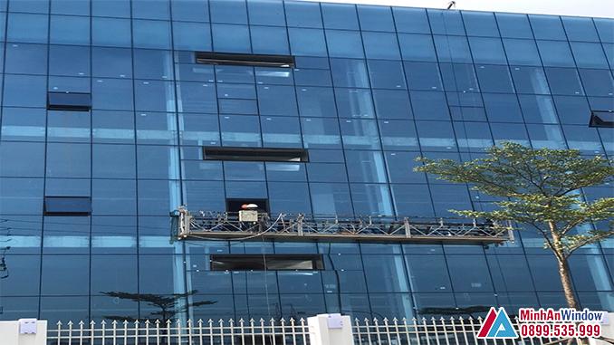 Thi công lắp đặt triển khai dự án vách mặt dựng nhôm kính - Minh An Window