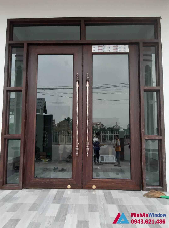 Mẫu cửa đi nhôm kính 2 cánh Minh An lắp đặt cho cho khách hàng tại huyện Gia Lâm - Hà Nội