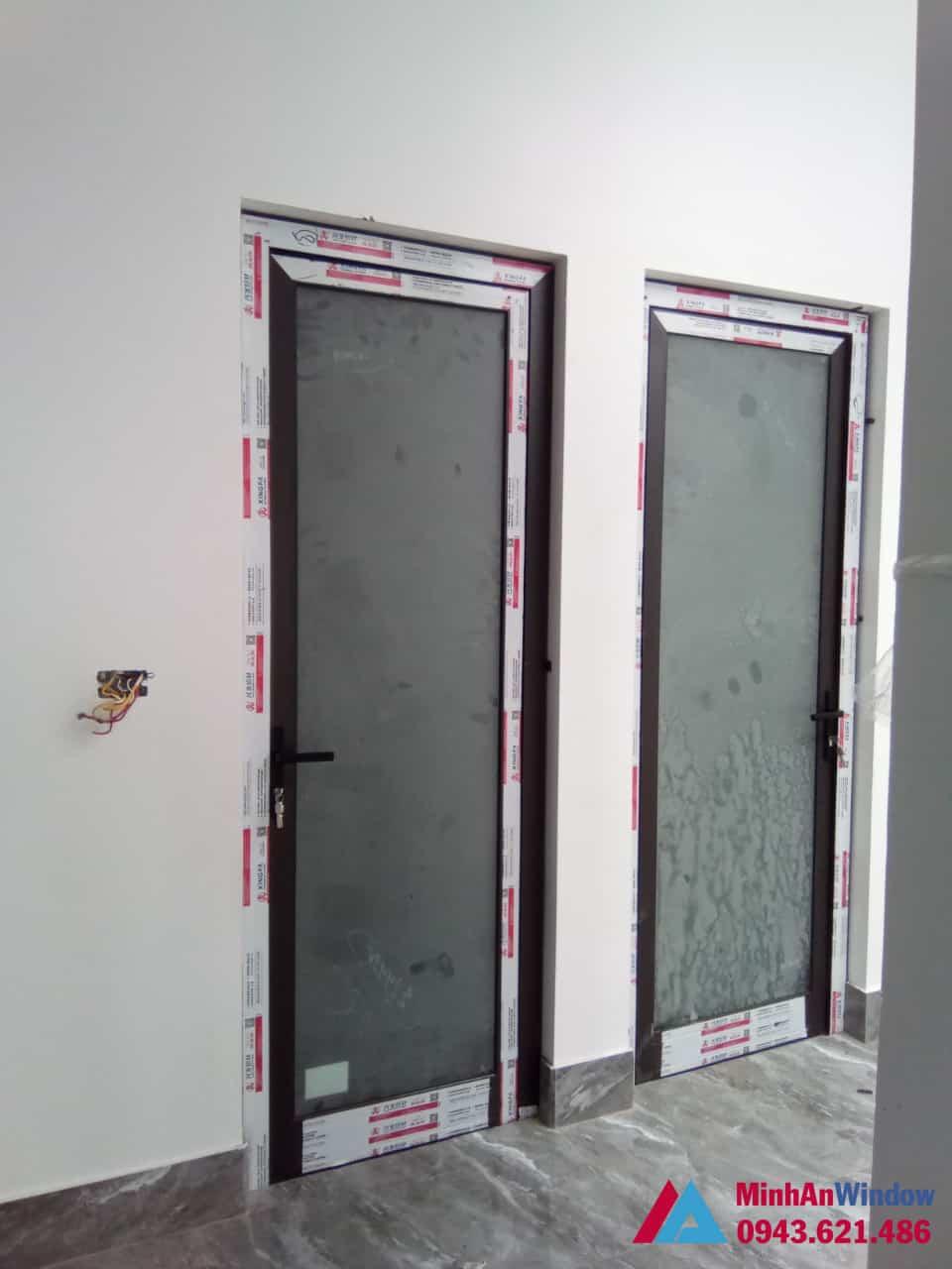 Mẫu cửa đi nhôm kính 1 cánh Minh An lắp đặt cho cho khách hàng tại huyện Gia Lâm - Hà Nội