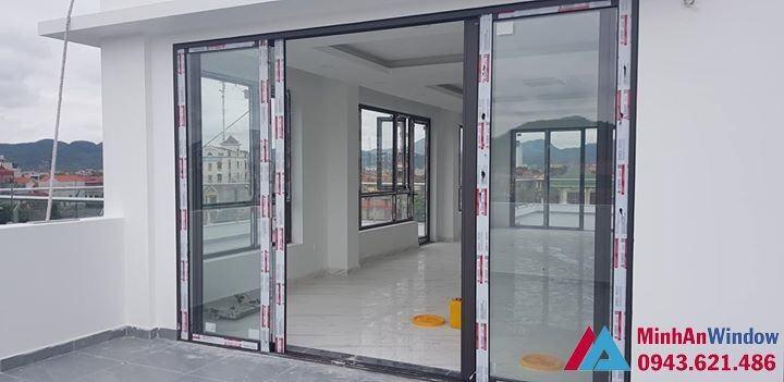 Mẫu cửa vách nhôm kính Minh An Window lắp đặt tại Hưng Yên