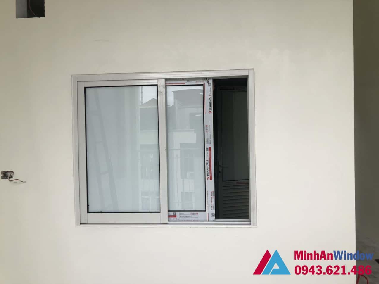 Mẫu cửa sổ nhôm kính 2 cánh xếp trượt Minh An Window lắp đặt cho khách hàng tại Phú Thọ