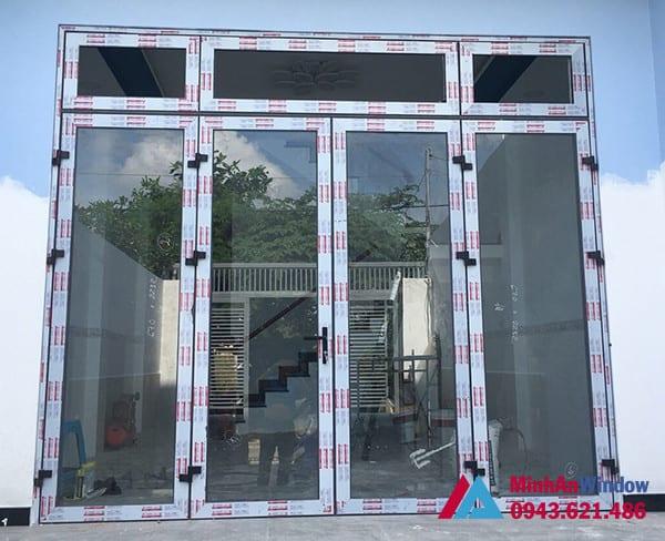 Mẫu cửa đi nhôm kính 4 cánh do Minh An Window thiết kế và lắp đặt