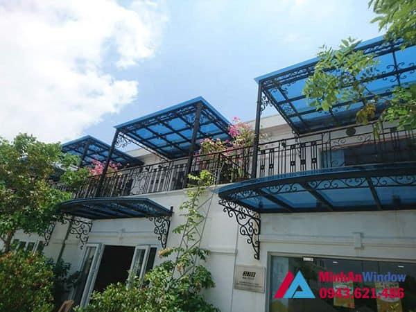 Mẫu mái kính nghệ thuật Minh An Window lắp đặt cho khách hàng tại huyện Hoài Đức