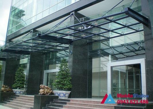 Mẫu mái kính sảnh Minh An Window lắp đặt cho toà nhà cao tầng tại huyện Gia Lâm