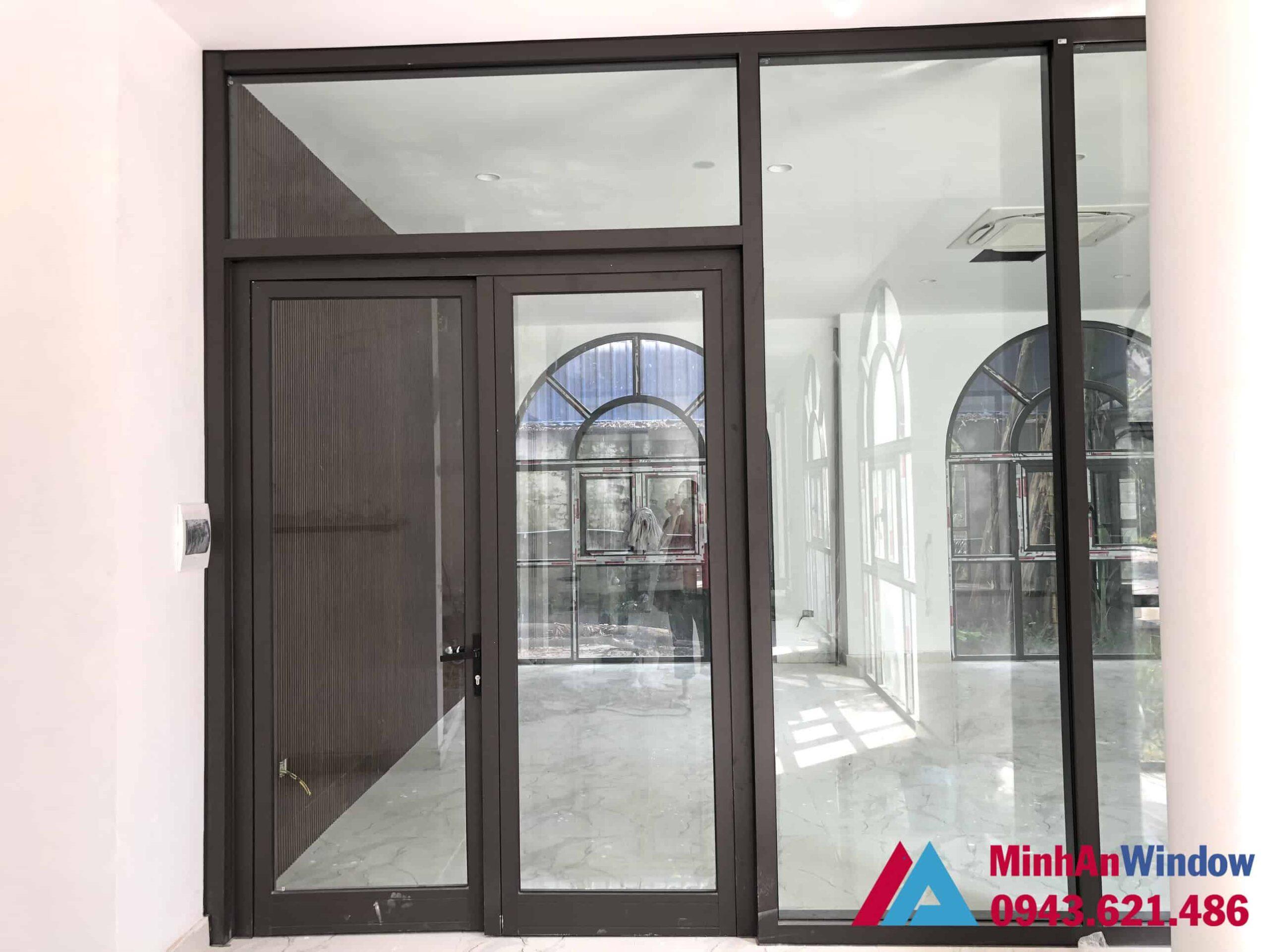 Mẫu cửa đi nhôm kính tại KCN Thạch Thất Quốc Oai do Minh An Window lắp đặt