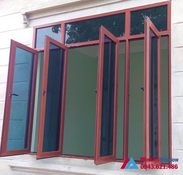 Mẫu cửa sổ nhôm kính màu vân gỗ Minh An Window lắp đặt cho khách hàng tại Sóc Sơn