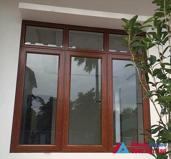 Mẫu cửa sổ nhôm kính 3 cánh màu vân gỗ Minh An Window lắp đặt cho khách hàng tại huyện Mỹ Đức