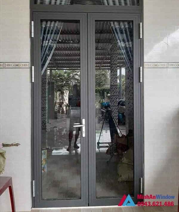 Mẫu cửa đi nhôm kính 2 cánh Minh An Window lắp đặt cho khách hàng tại huyện Thường Tín