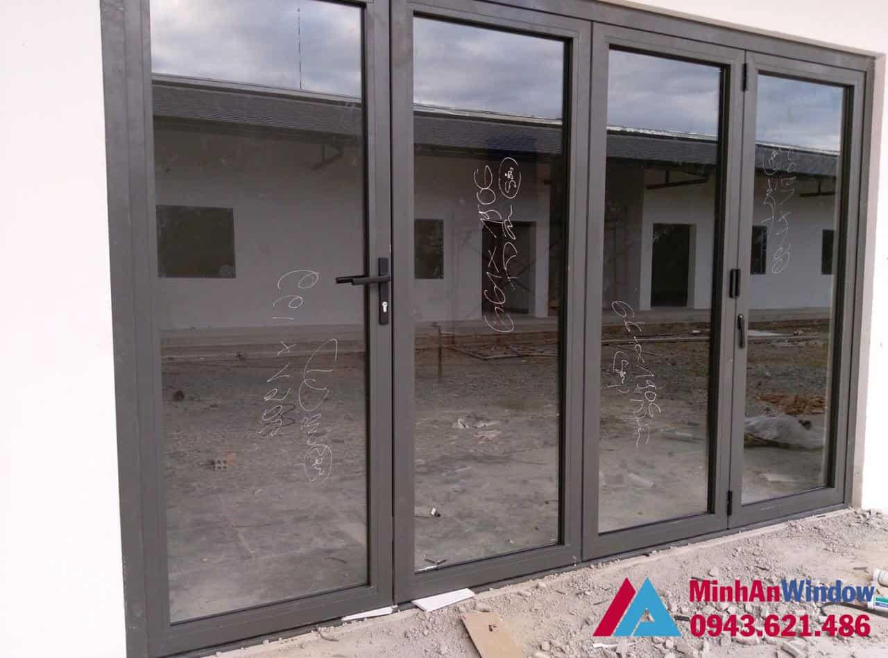 Mẫu cửa nhôm kính mở quay 4 cánh Minh An Window lắp đặt tại KCN Thăng Long - Hà Nội