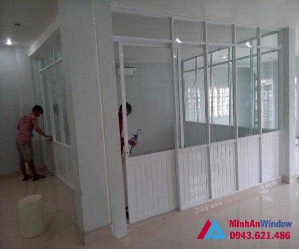 Mẫu cửa vách nhôm kính tại KCN Phùng Xá - Hà Nội do Minh An Window lắp đặt