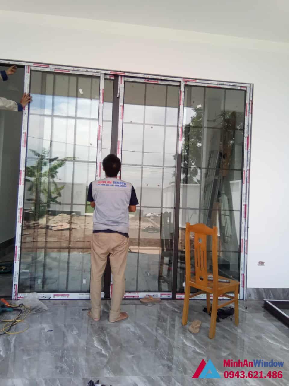Mẫu cửa đi nhôm kính xếp trượt Minh An Window lắp đặt cho khách hàng tại huyện Thanh Trì