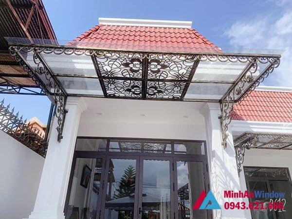 Mẫu mái kính khung sắt nghệ thuật Minh An Window lắp cho khách hàng tại huyện Chương Mỹ