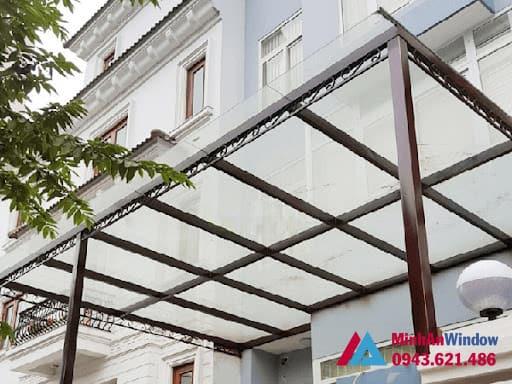 Mẫu mái kính khung sắt Minh An Window lắp đặt cho khách hàng tại quận Tây Hồ