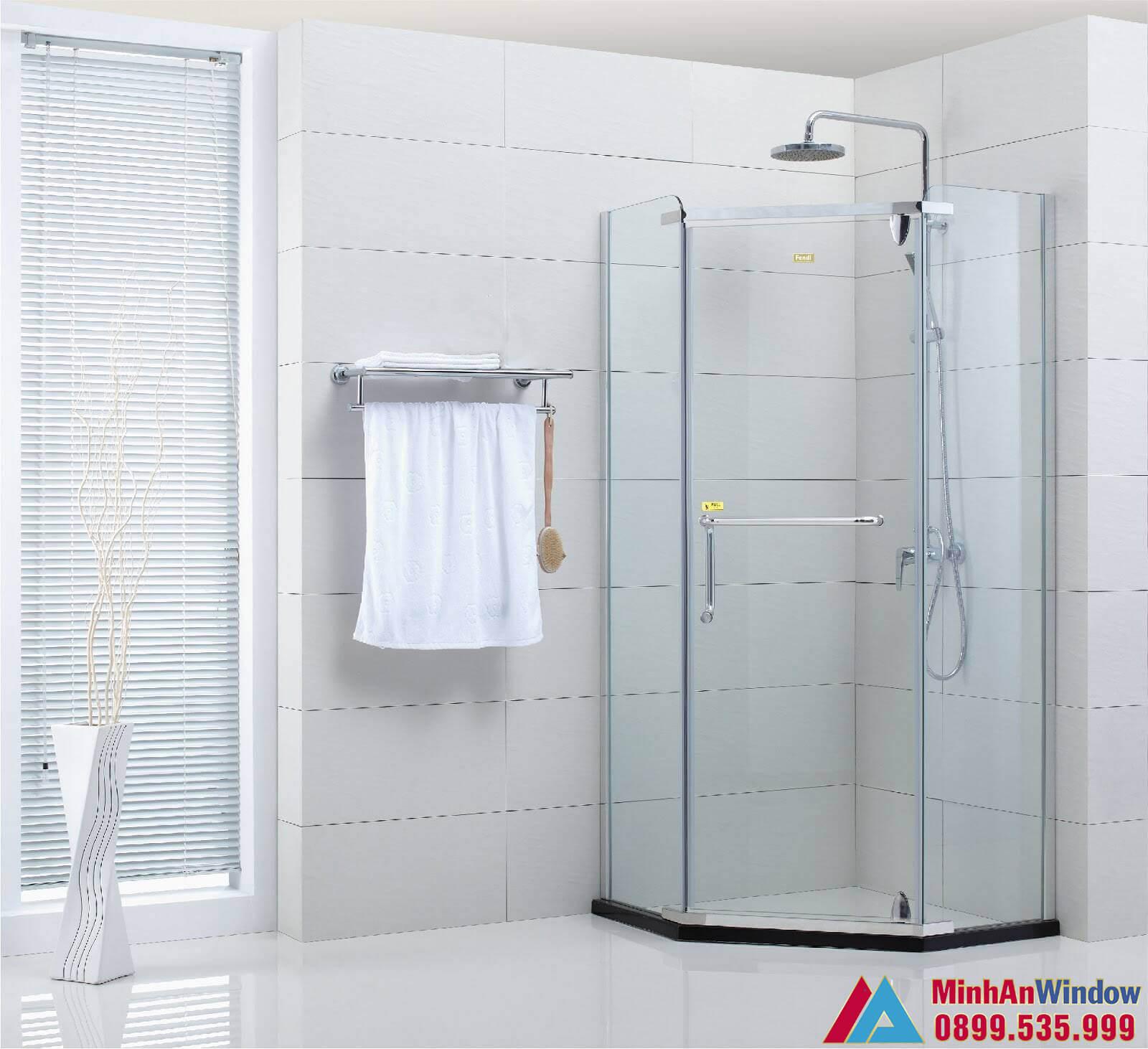 Mẫu vách kính phòng tắm nhỏ Minh An Window lắp cho khu nghỉ dưỡng