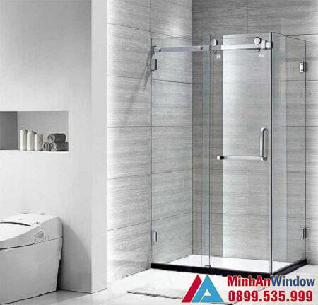 Mẫu vách kính phòng tắm nhỏ hiện đại do Minh An Window lắp đặt