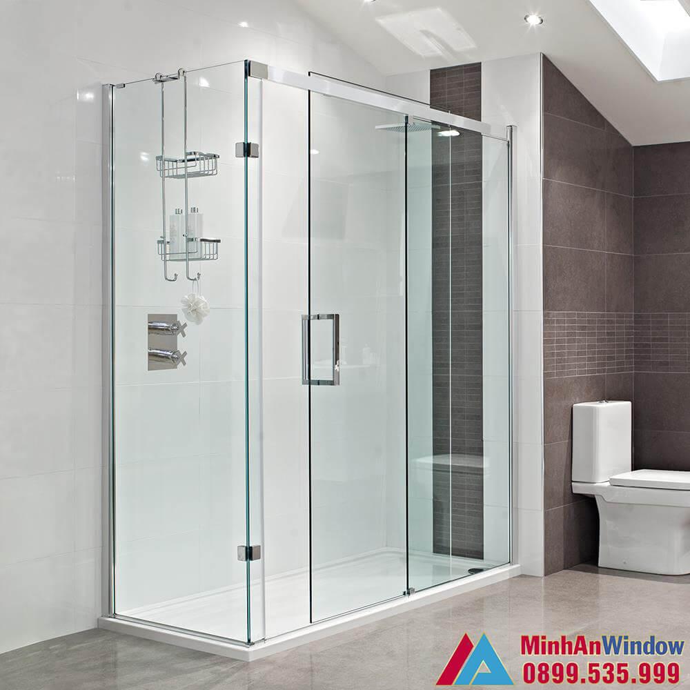 Mẫu vách kính phòng tắm nhỏ hiện đại do Minh An Window lắp đặt cho công trình nhà ở biệt thự