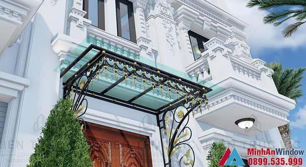 Mẫu mái kính nhà biệt thự kết hợp hoa sắt do Minh An Window lắp đặt